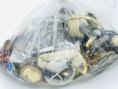 Bag of costume jewellery and fashion watches