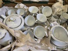Noritake 'Harwood' dinner, tea and coffee set