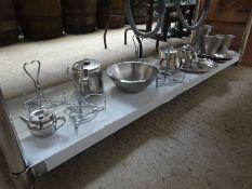 Trays, bowls, measures, tableware