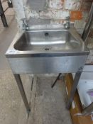 Hand sink on stand