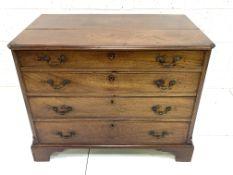 Georgian mahogany chest of 4 graduated drawers