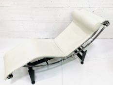 Cassina cream leather and chrome framed chaise longue