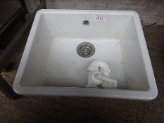 Ceramic single drainer basin