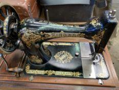 Manual Singer sewing machine