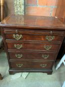 Small mahogany chest of drawers by Brights of Nettlebed