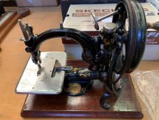 Vintage Willcox and Gibbs Automatic Noiseless Manual sewing machine