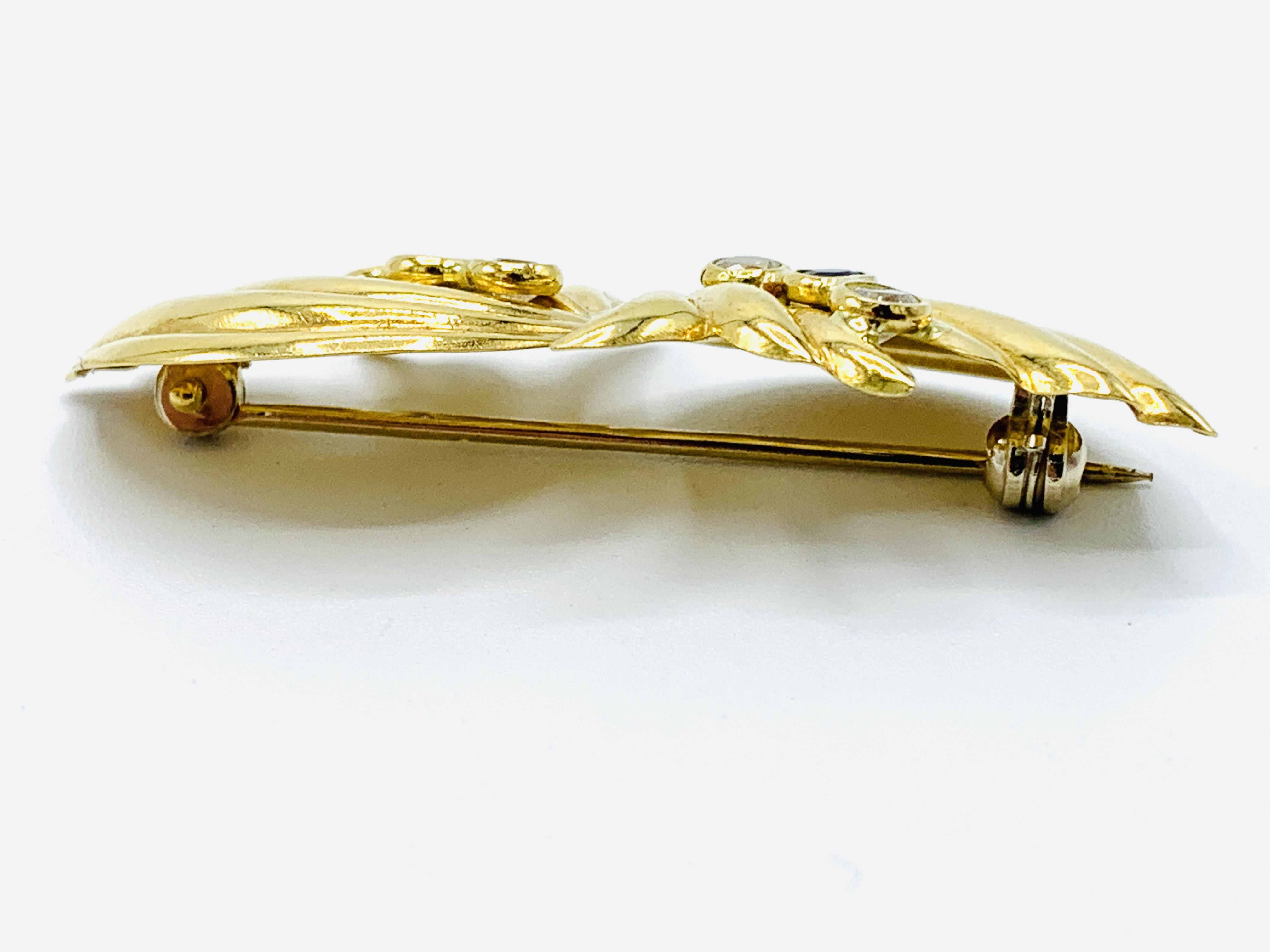 Contemporary Italian bow design 18ct gold brooch - Image 3 of 5