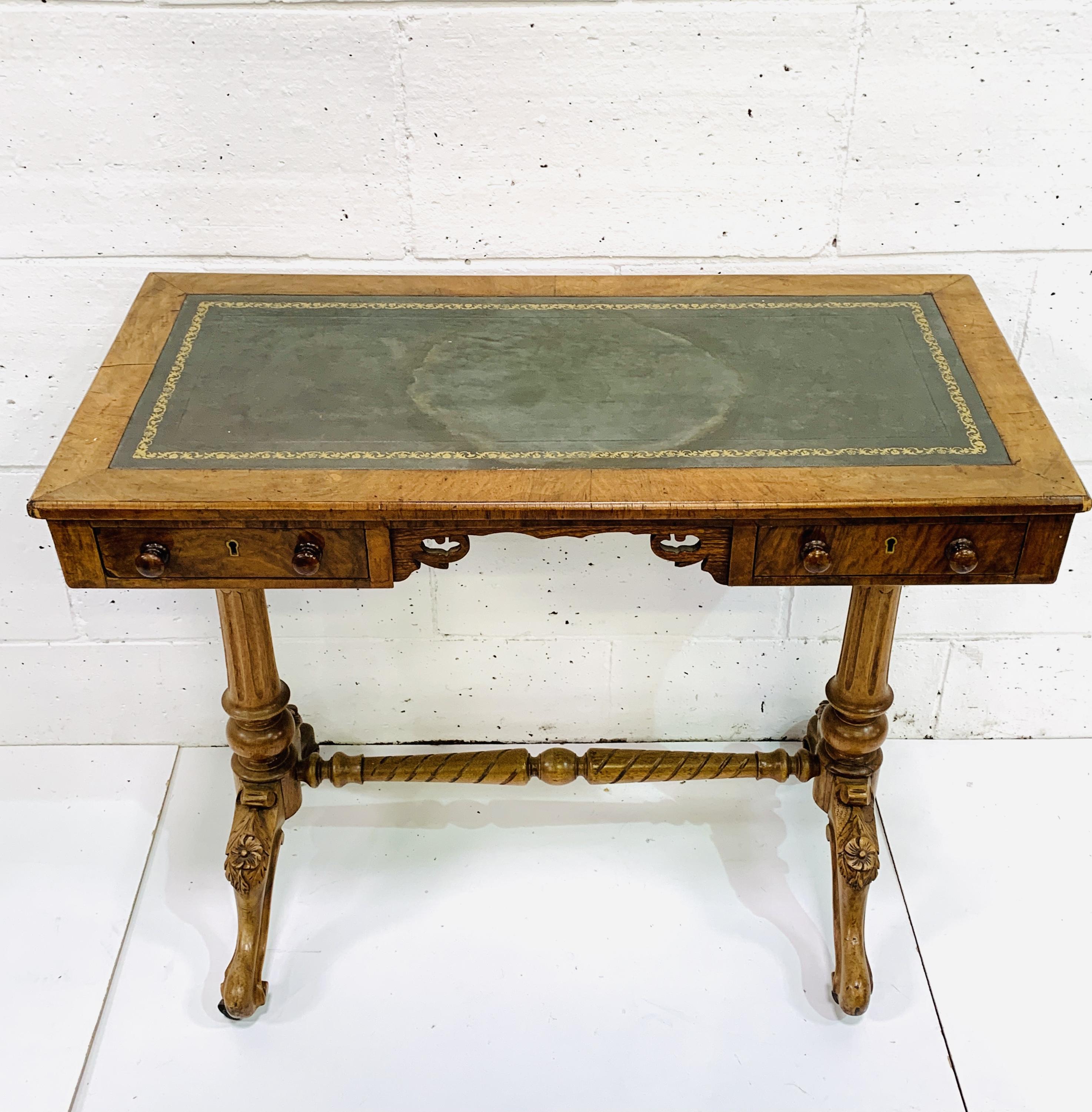 A mahogany writing table - Image 2 of 6