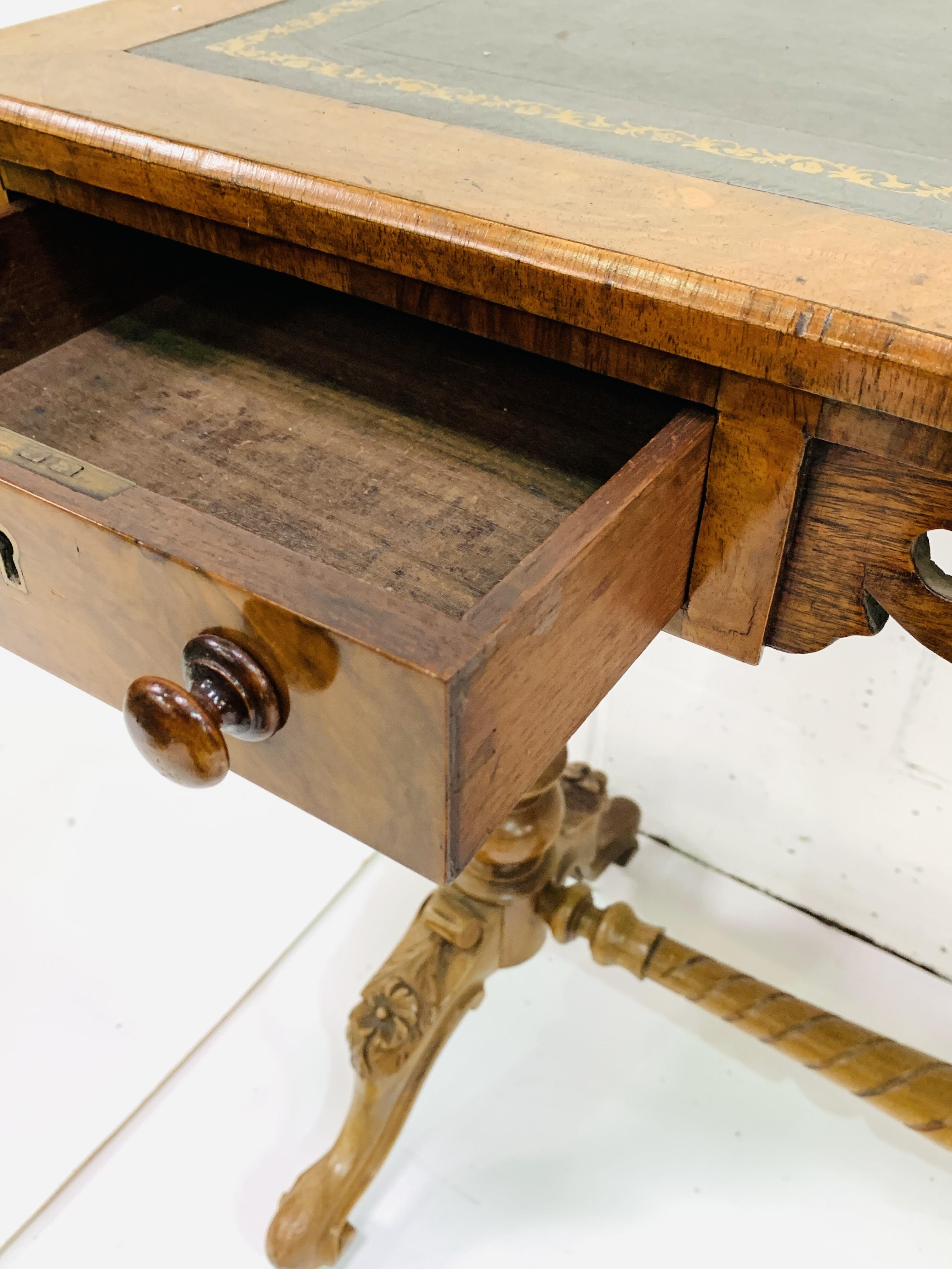 A mahogany writing table - Image 3 of 6