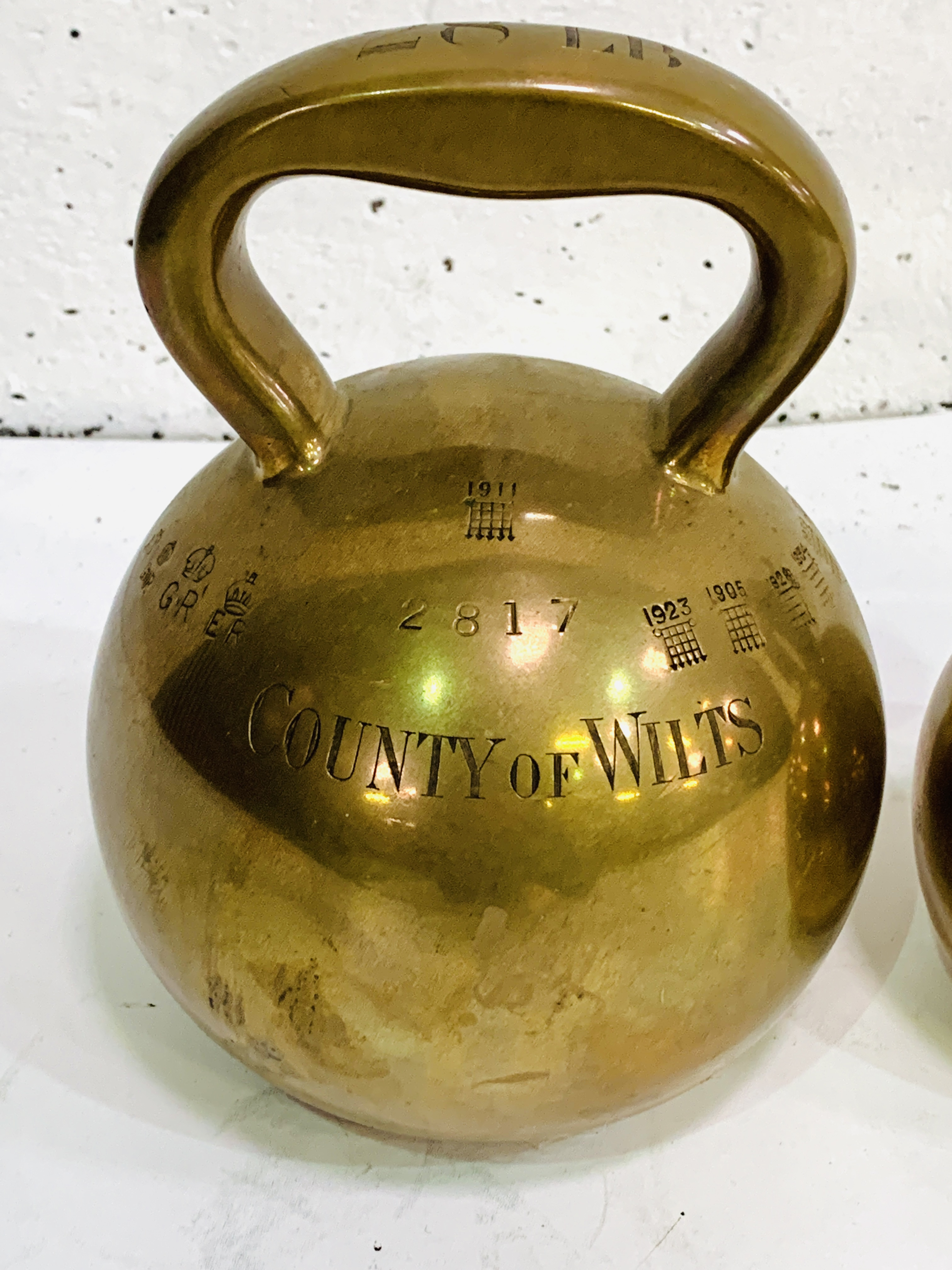 Two brass County of Wilts bell weights - Image 2 of 9