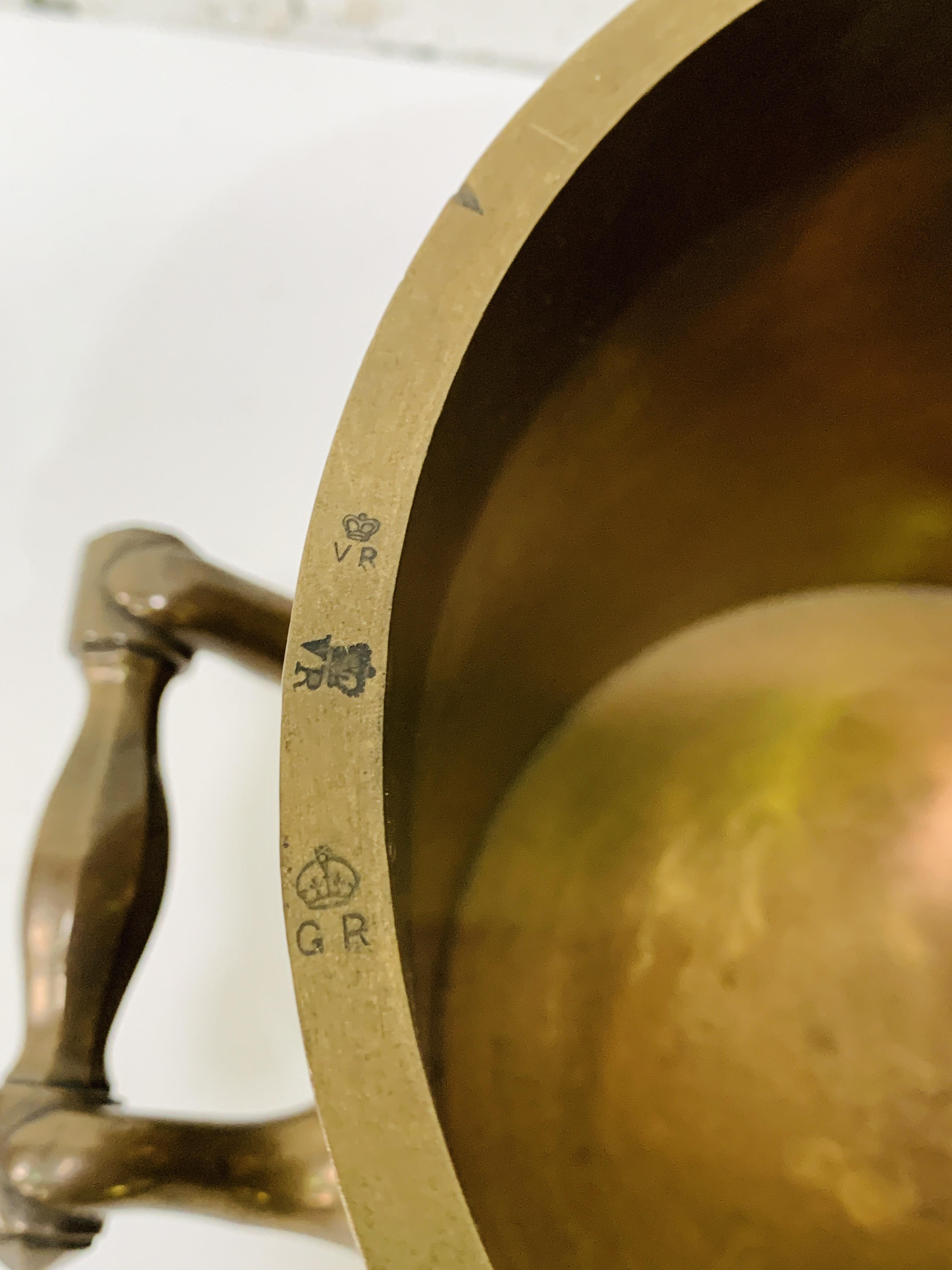Imperial half bushel bronze measure - Image 6 of 6