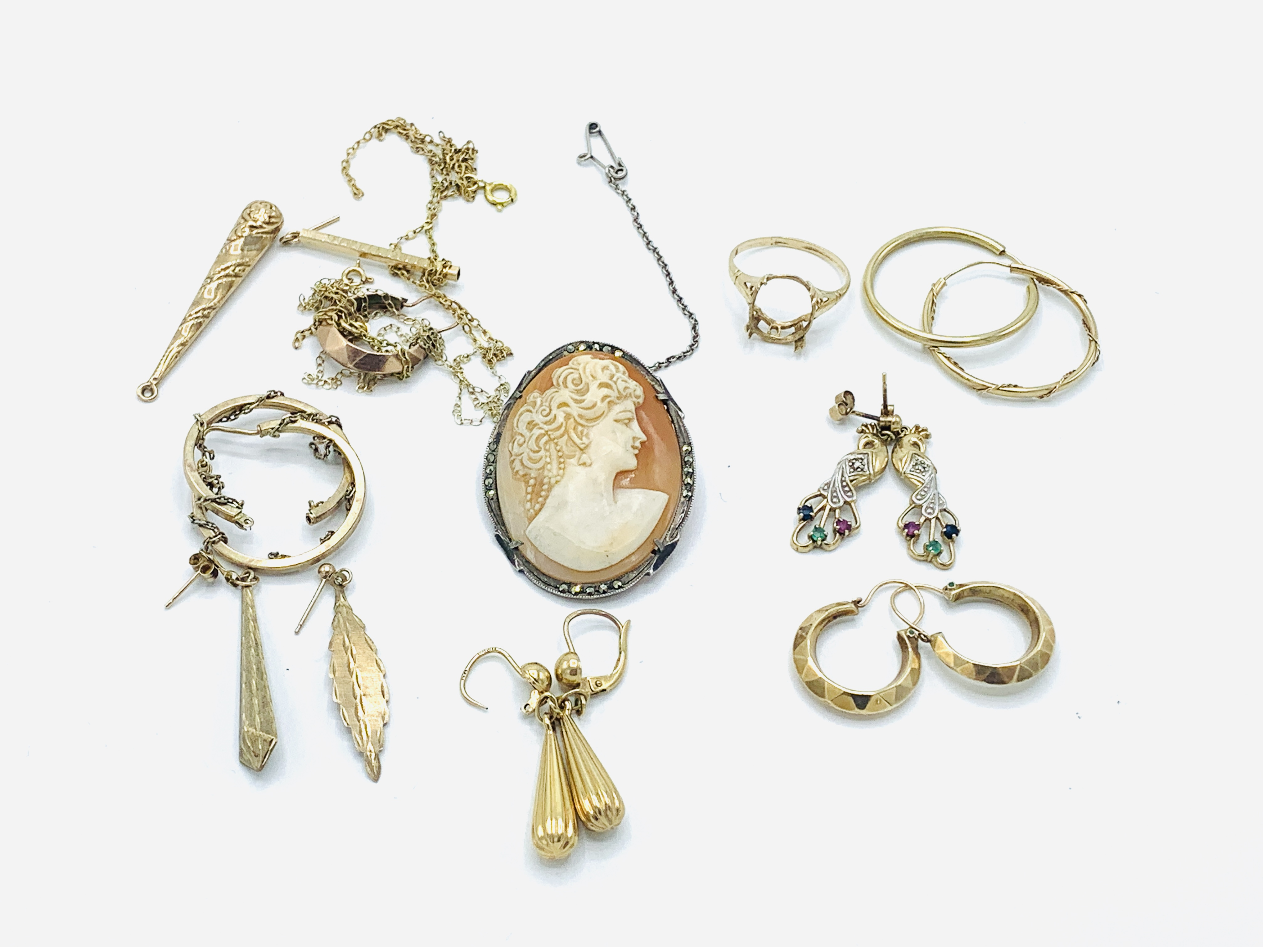 Six pairs of 9ct gold earrings; together with other jewellery - Image 5 of 5