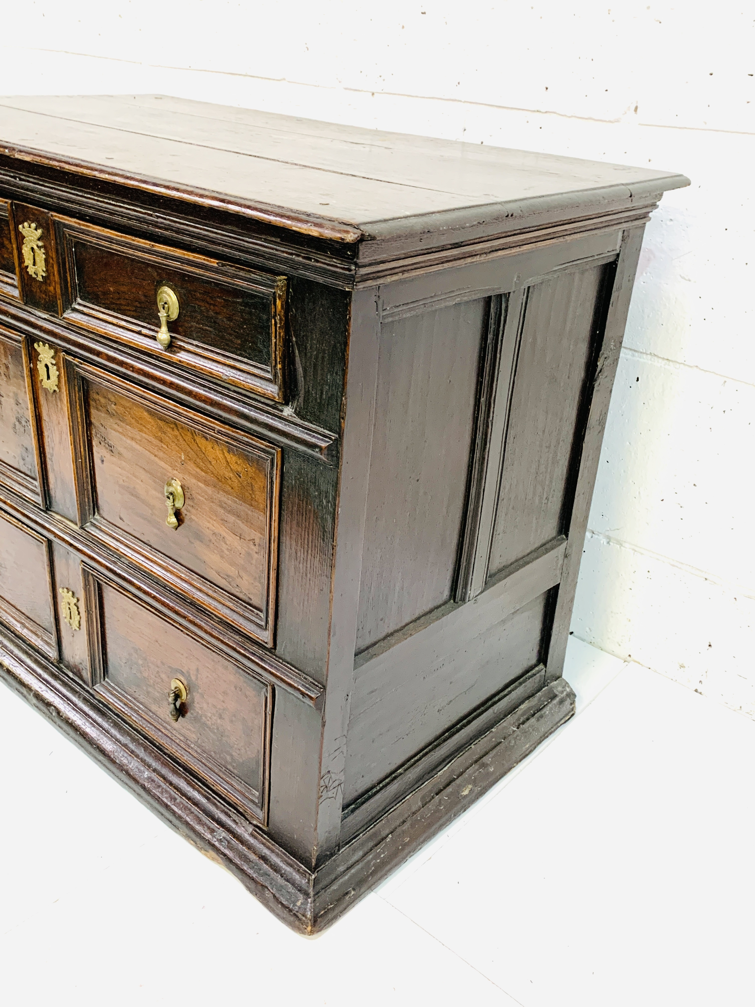 Early 18th Century oak chest of three drawers - Image 8 of 9