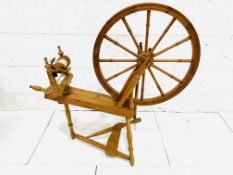 A full-size spinning wheel