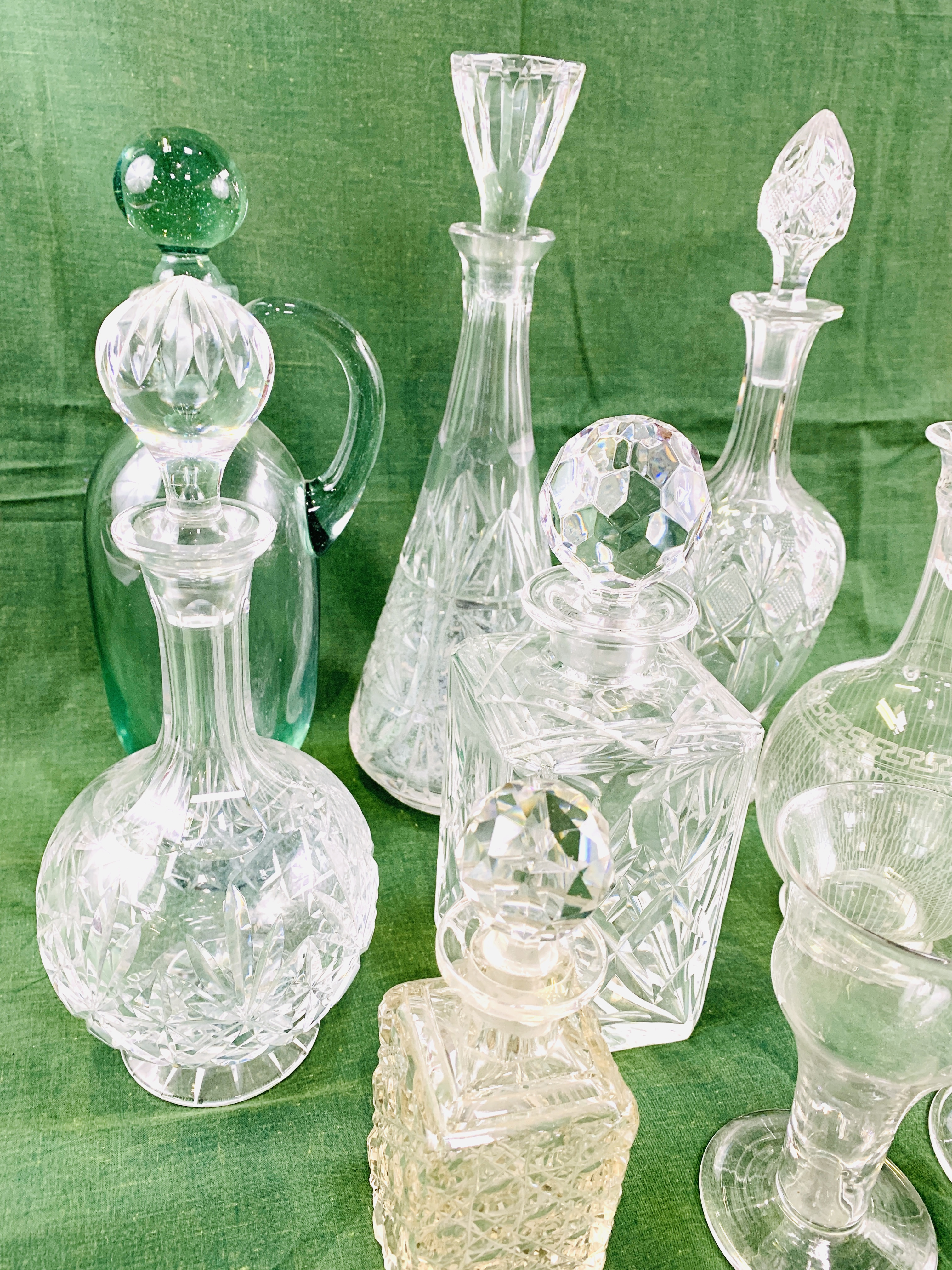 A collection of decanters - Image 4 of 8