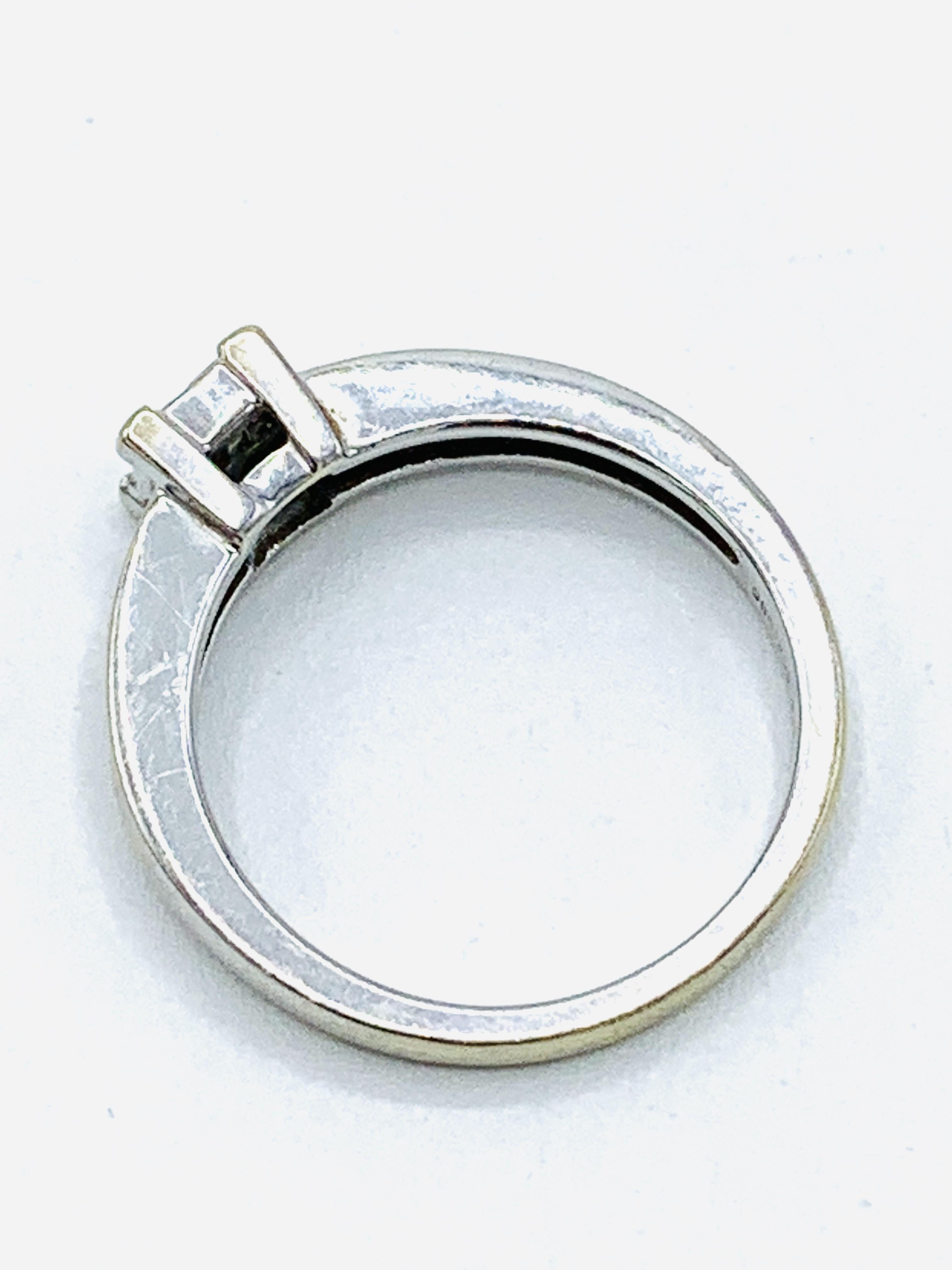 18ct white gold ring - Image 3 of 4