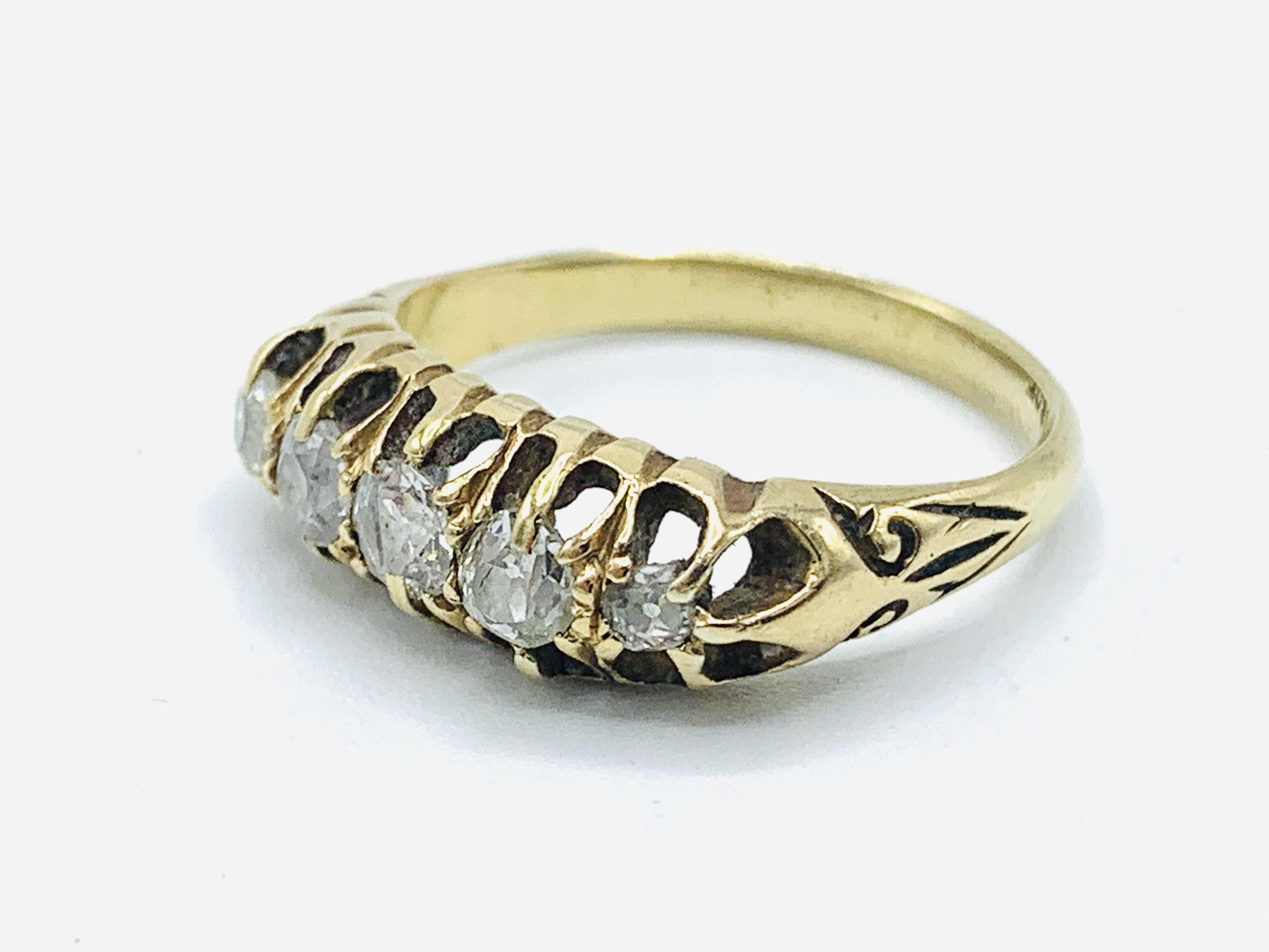 18ct gold 5 diamond ring - Image 2 of 4