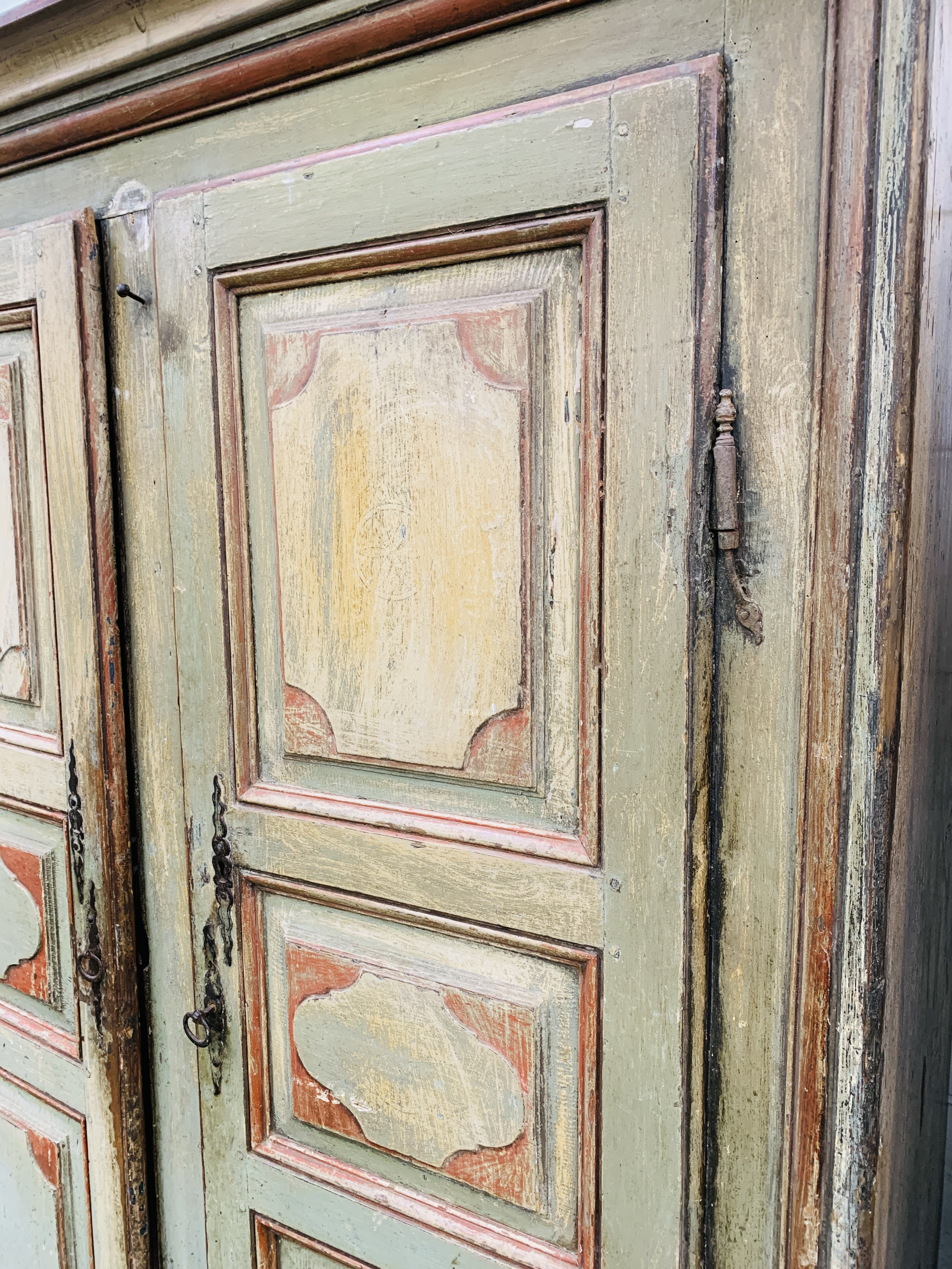 Mid-19th century French painted pine wardrobe - Image 7 of 8