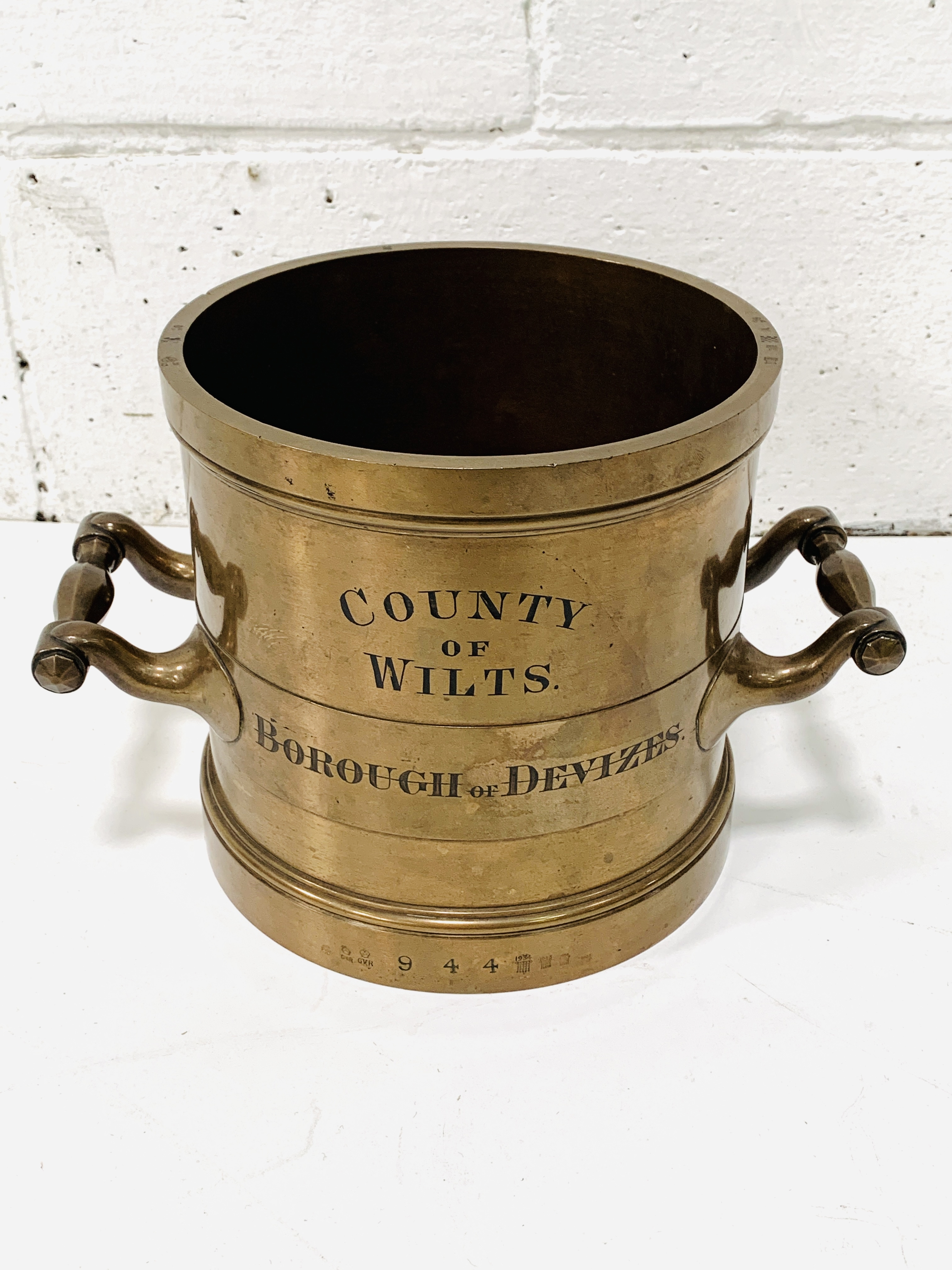 Imperial gallon bronze measure