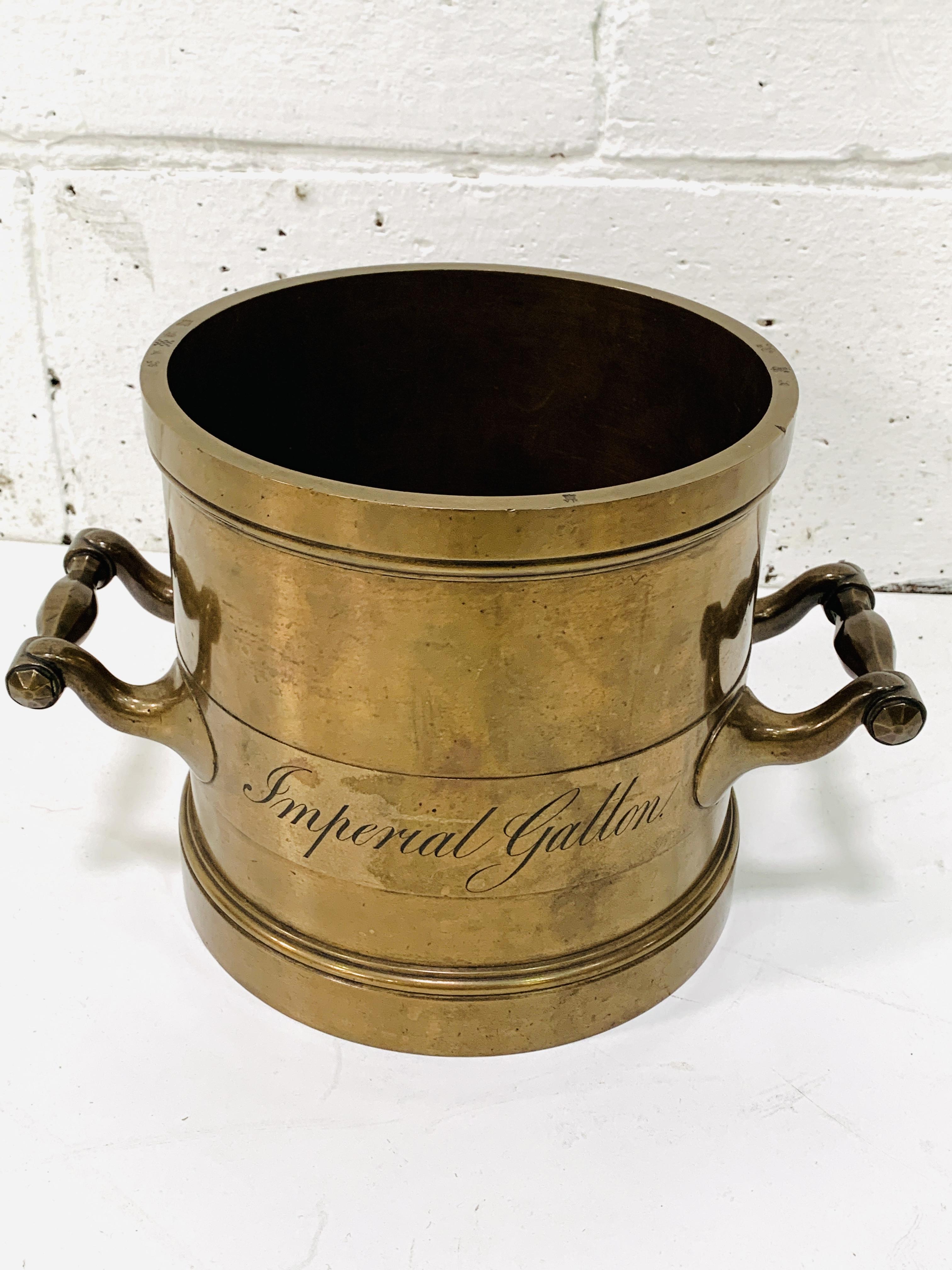Imperial gallon bronze measure - Image 2 of 4