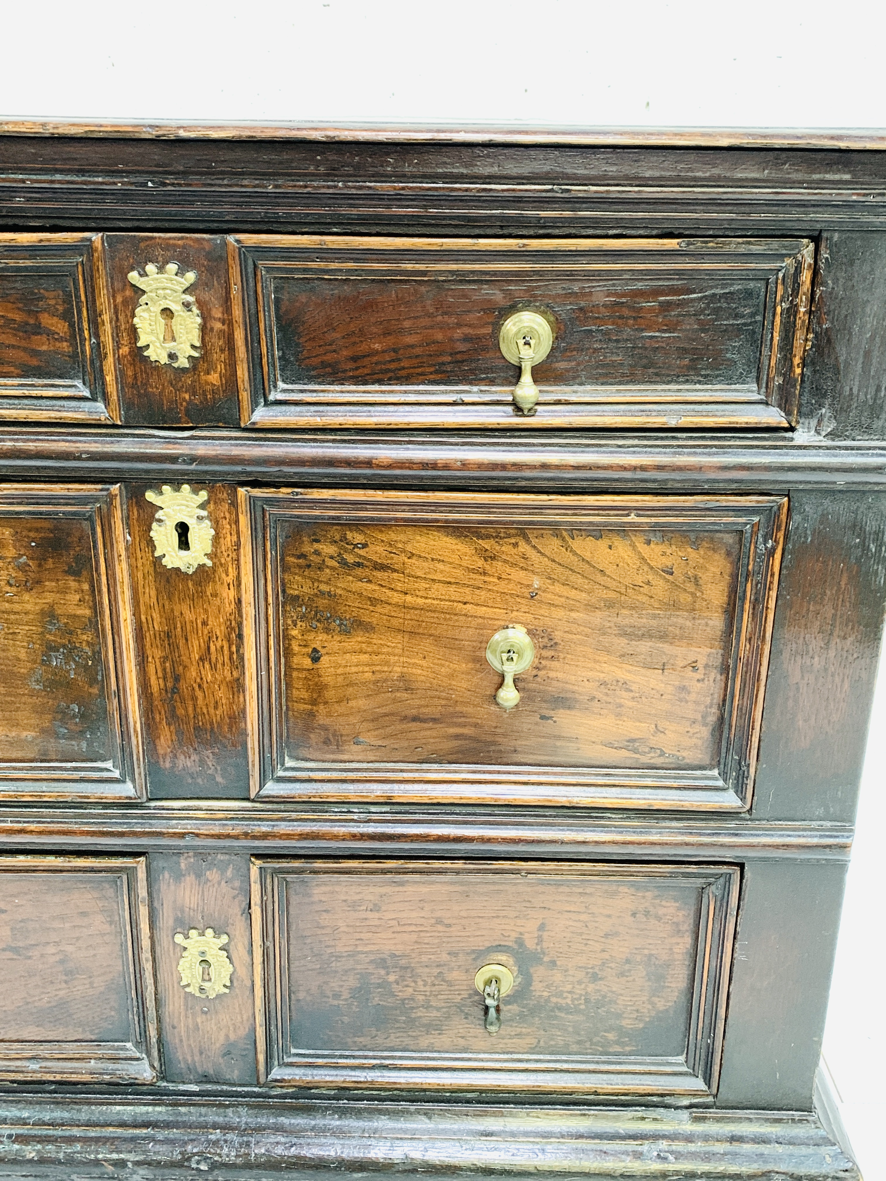 Early 18th Century oak chest of three drawers - Image 4 of 9