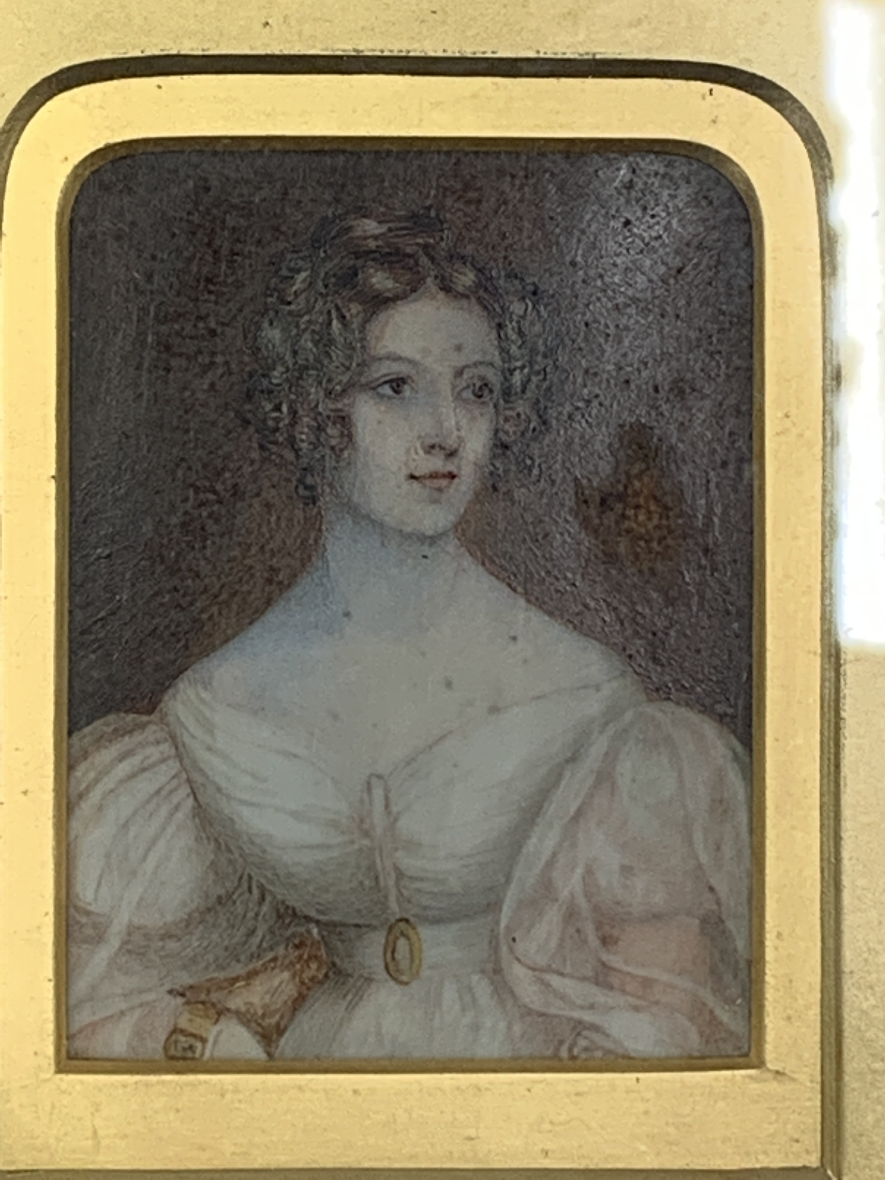 Gilt framed and glazed miniature oil portrait of a lady - Image 3 of 4