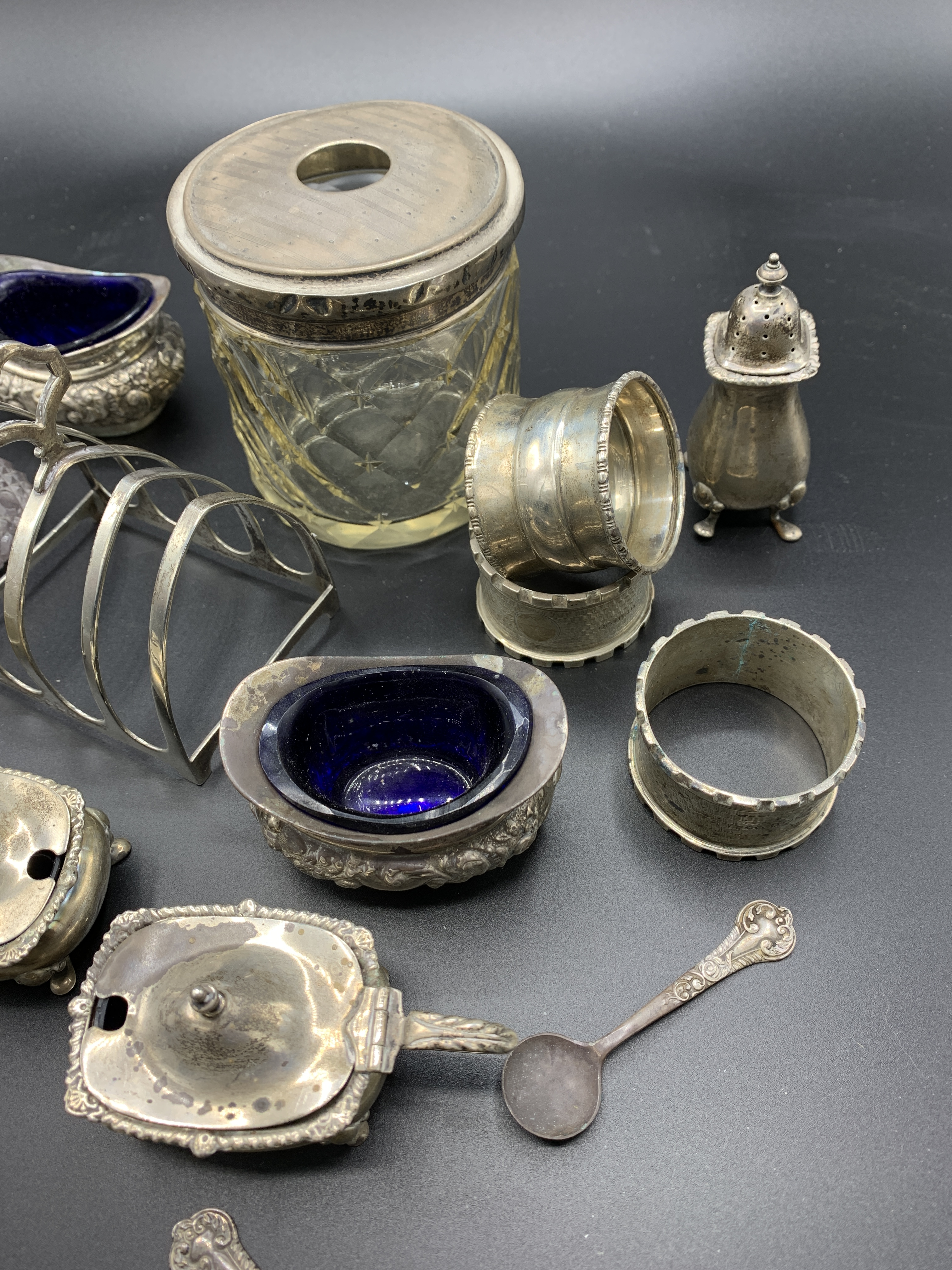 Silver cruets and other silver item - Image 3 of 3
