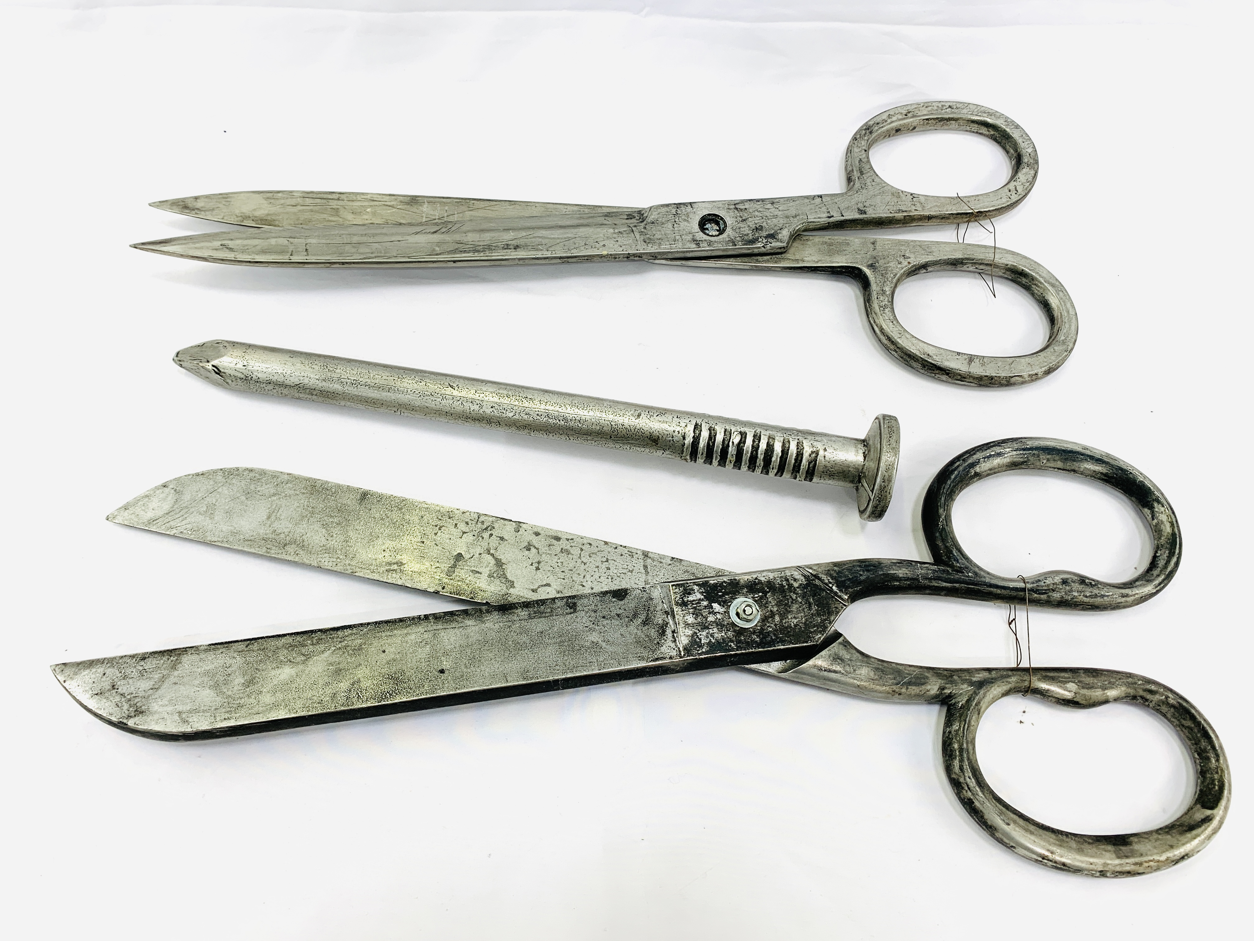 Two pairs of Victorian industrial style scissors, and a large resin nail - Image 2 of 4