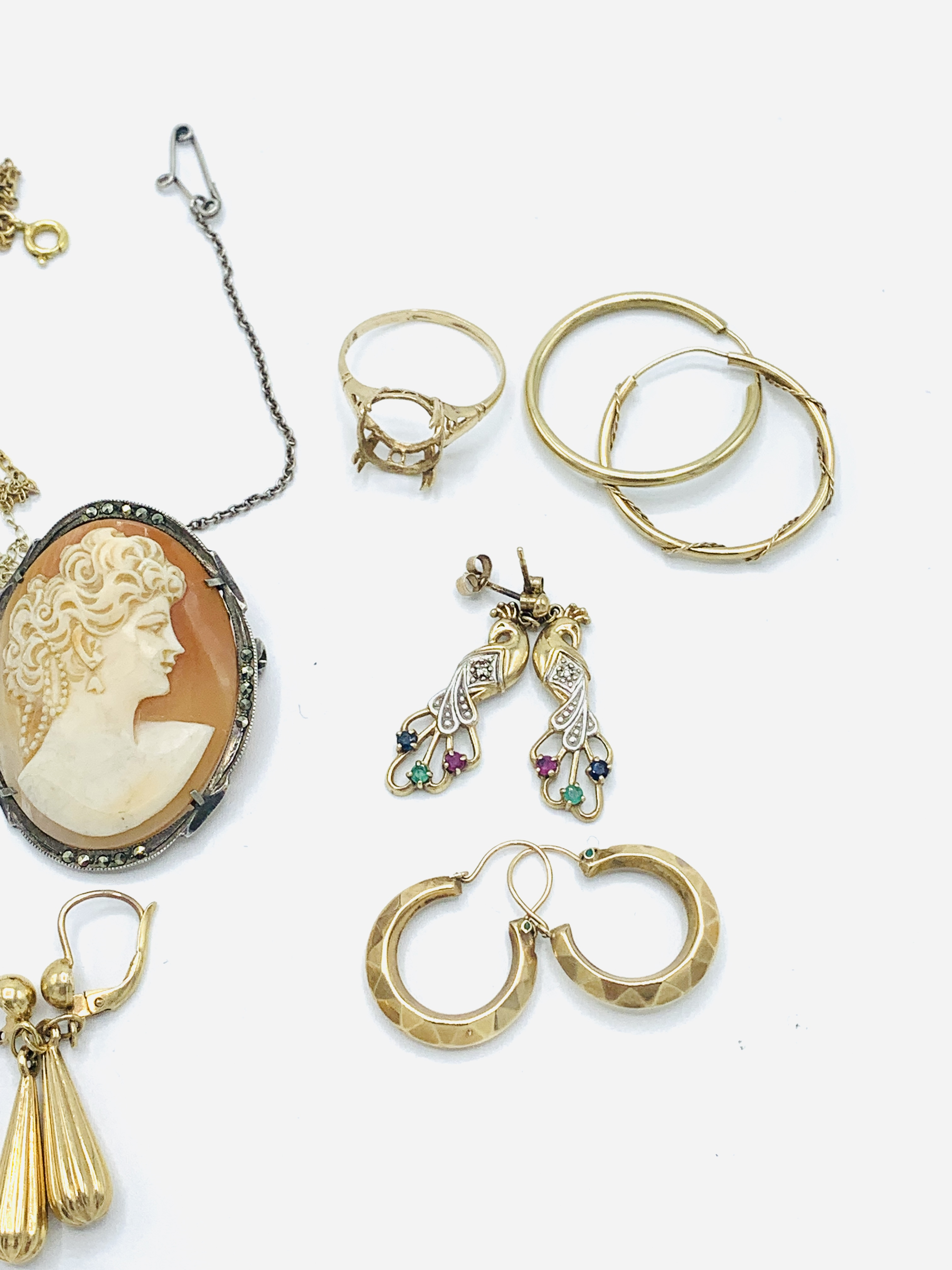 Six pairs of 9ct gold earrings; together with other jewellery - Image 3 of 5