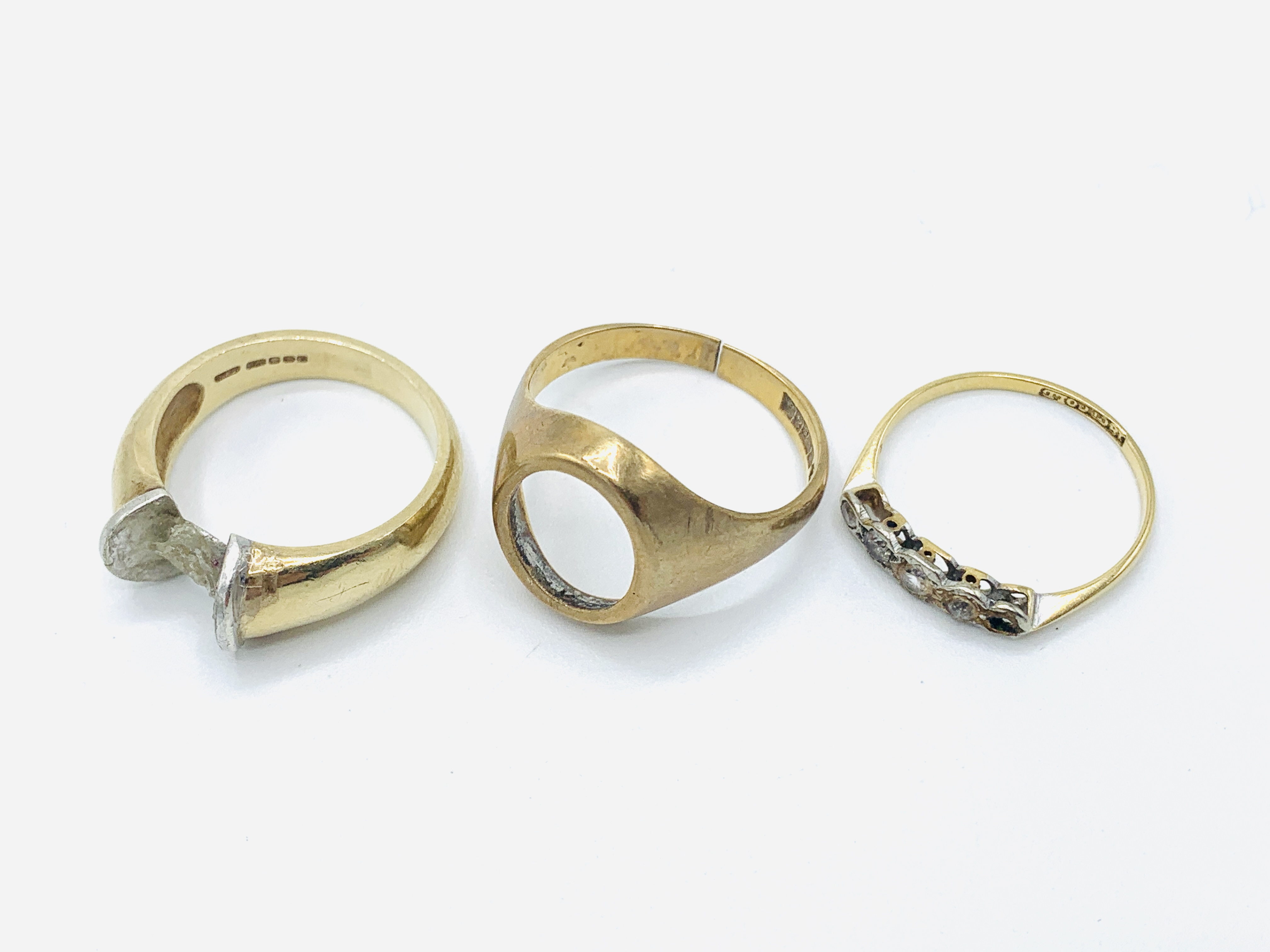 18ct gold and five white stone ring; together with two 9ct gold rings - Image 2 of 2