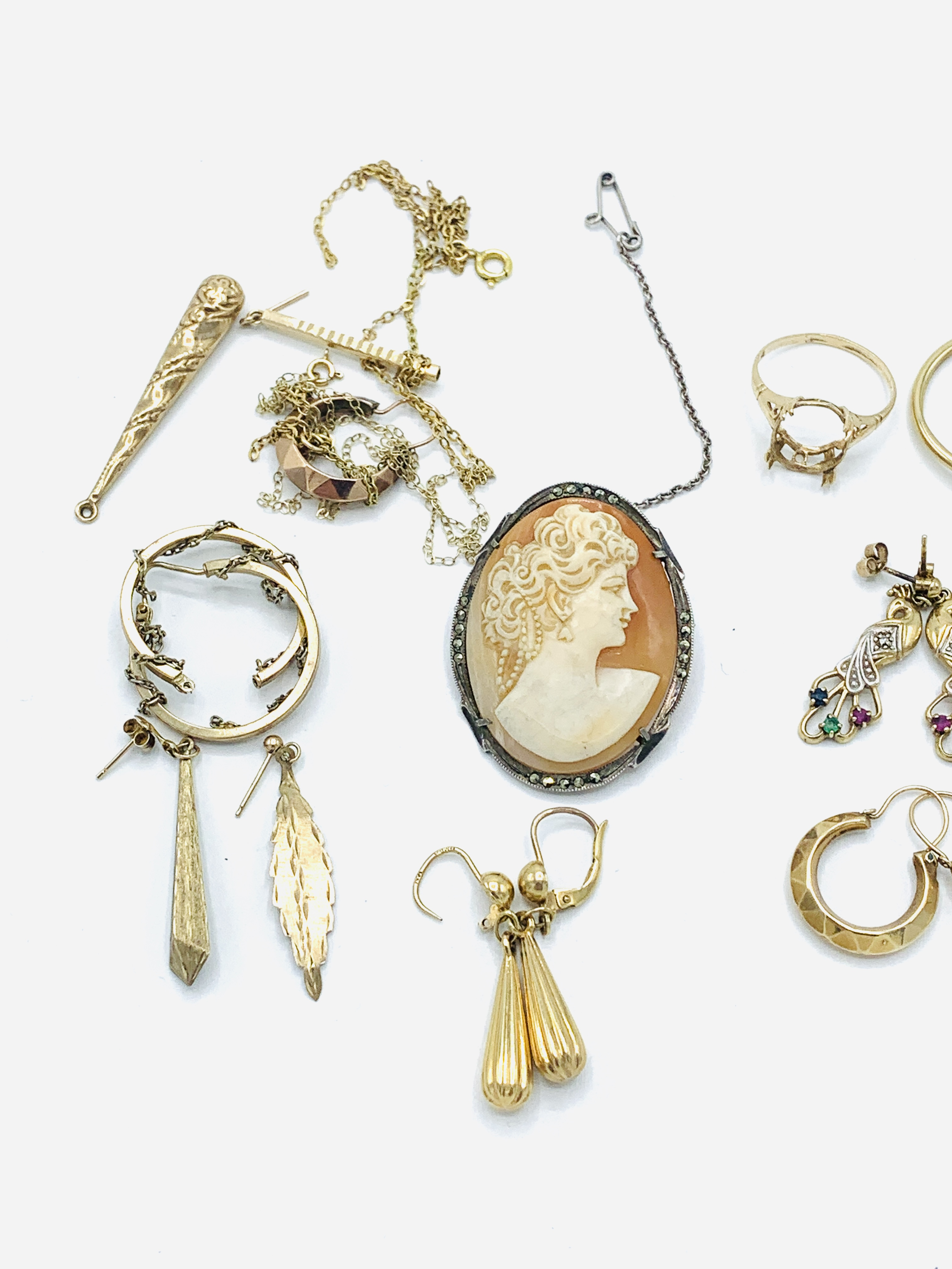 Six pairs of 9ct gold earrings; together with other jewellery - Image 4 of 5