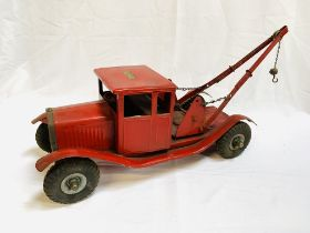 Tri-ang tin plate model Bedford tow truck