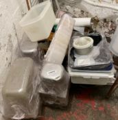 1 x Assorted Lot Of Various Restaurant Kitchen Storage Pots - Supplied As Shown - Ref: CAM522 -