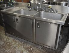 1 x Commercial Kitchen Wash Station With Two Large Sink Bowls, Mixer Taps, Spray Wash Gun,