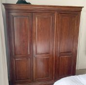 1 x 3-Door Solid Wood Wardrobe - Dimensions: H196 x D66 x W172cm - Ref: MC586 - Pre-owned -