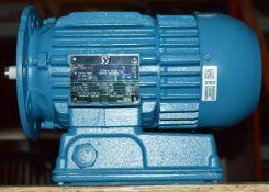 1 x Weg W22 110v IP55 Single Phase Electric Motor - 0.37kW04P71 110 V50Hz - Brand New - WH2 -