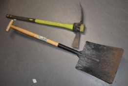 3 x Hand Tools Including Pick Axe, Spade and Scraper With Full Size Handle SRB172