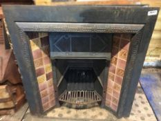 1 x Antique Victorian Cast Iron Fire Insert With Patterned Tiles To Sides - Dimensions: width 92cm x