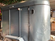 1 x Vintage Style Horse Box - Recently Renovated And Repainted- Street Food/Bar Project - CL548