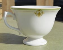 36 x DUDSON Fine China 'Georgian' 8oz Footed Tea Cups With Saucers All Featuring 'Famous