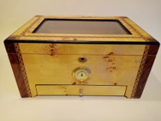 1 x Veneered Cigar Storage Box - NO VAT ON THE HAMMER - CL607 - Location: Leeds1 gold handle missing