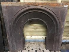1 x Antique Victorian Cast Iron Fire Insert With Patterned Surround - Dimensions: Width 102cm x