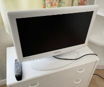 "1 x Samsung 19"" LCD TV With Remote Control - MODEL: LE19R86WD - From An Exclusive Property In"