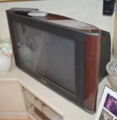 1 x Retro Philips CRT Television With Cherrywood Finish and Matching Stand - CL579 - No VAT on the