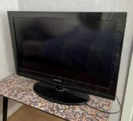"1 x SAMSUNG 32"" LCD Television - Model: Samsung LE32C350 - From An Exclusive Property In Leeds -"
