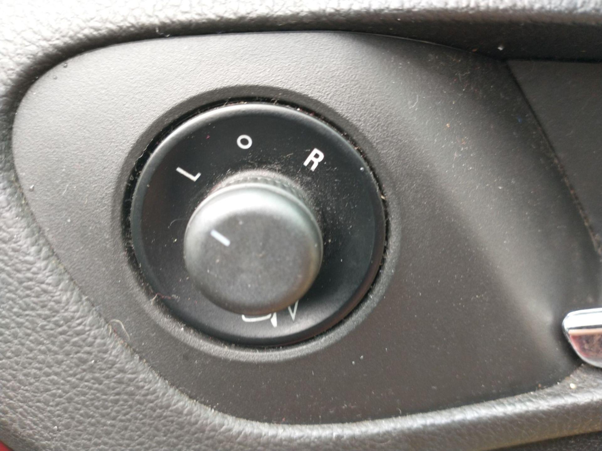 2009 Vauxhall Insignia Elite Nav CDTI 5dr 2.0 Diesel - CL505 - NO VAT ON THE HAMMER - Location: Corb - Image 13 of 22