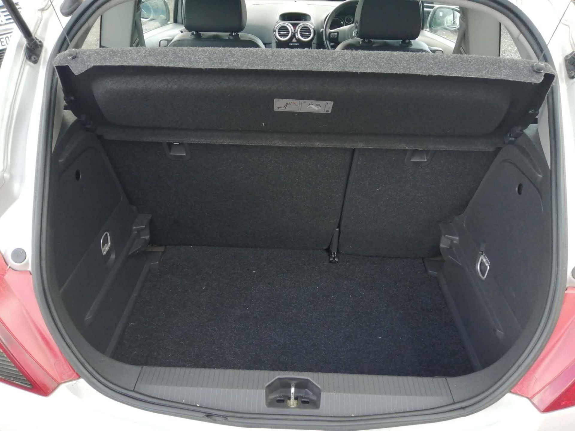 2010 Vauxhall Corsa 1.2 Design 3dr Hatchback - CL505 - NO VAT ON THE HAMMER - Location: Corby - Image 4 of 11