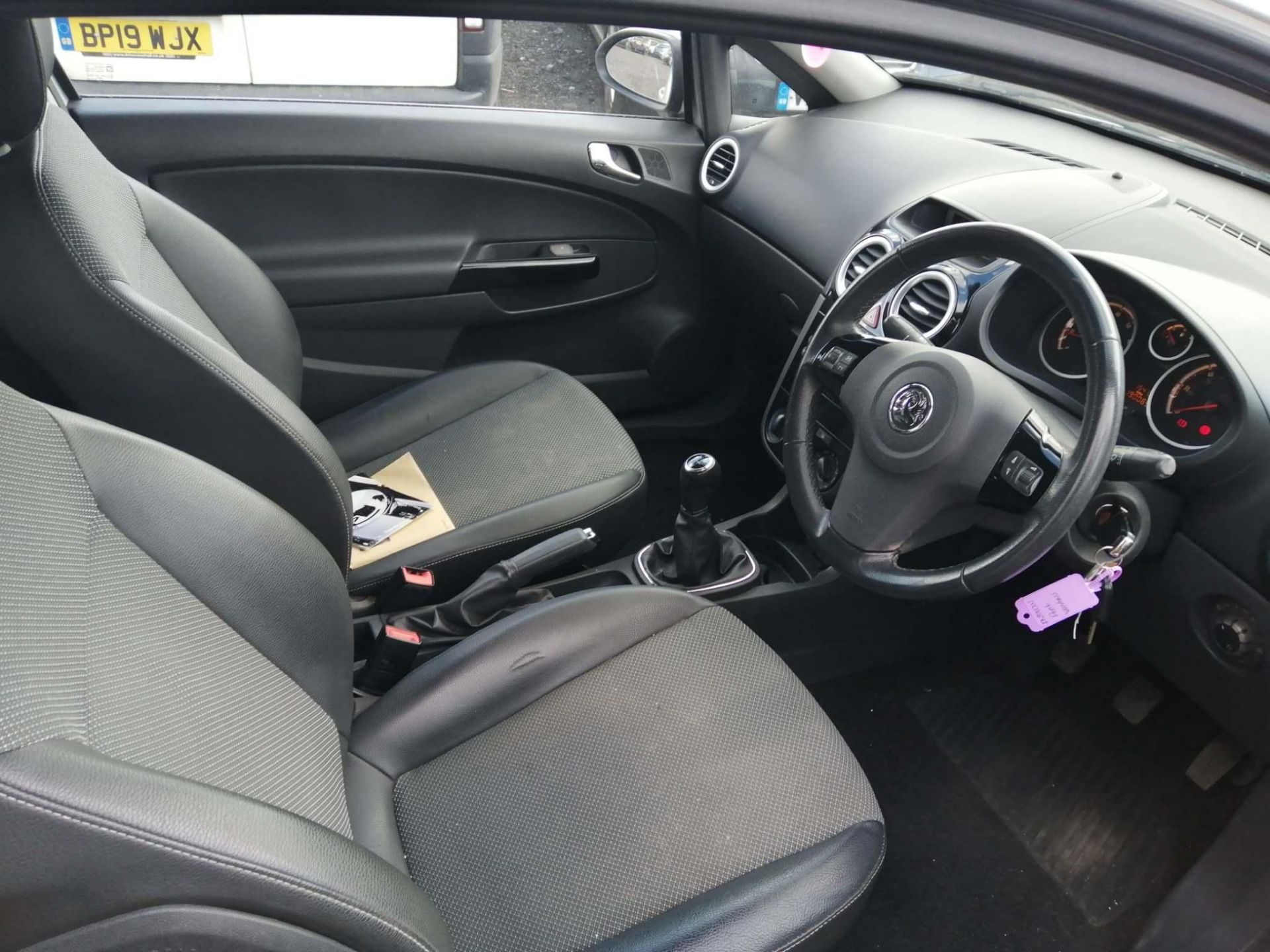 2010 Vauxhall Corsa 1.2 Design 3dr Hatchback - CL505 - NO VAT ON THE HAMMER - Location: Corby - Image 5 of 11