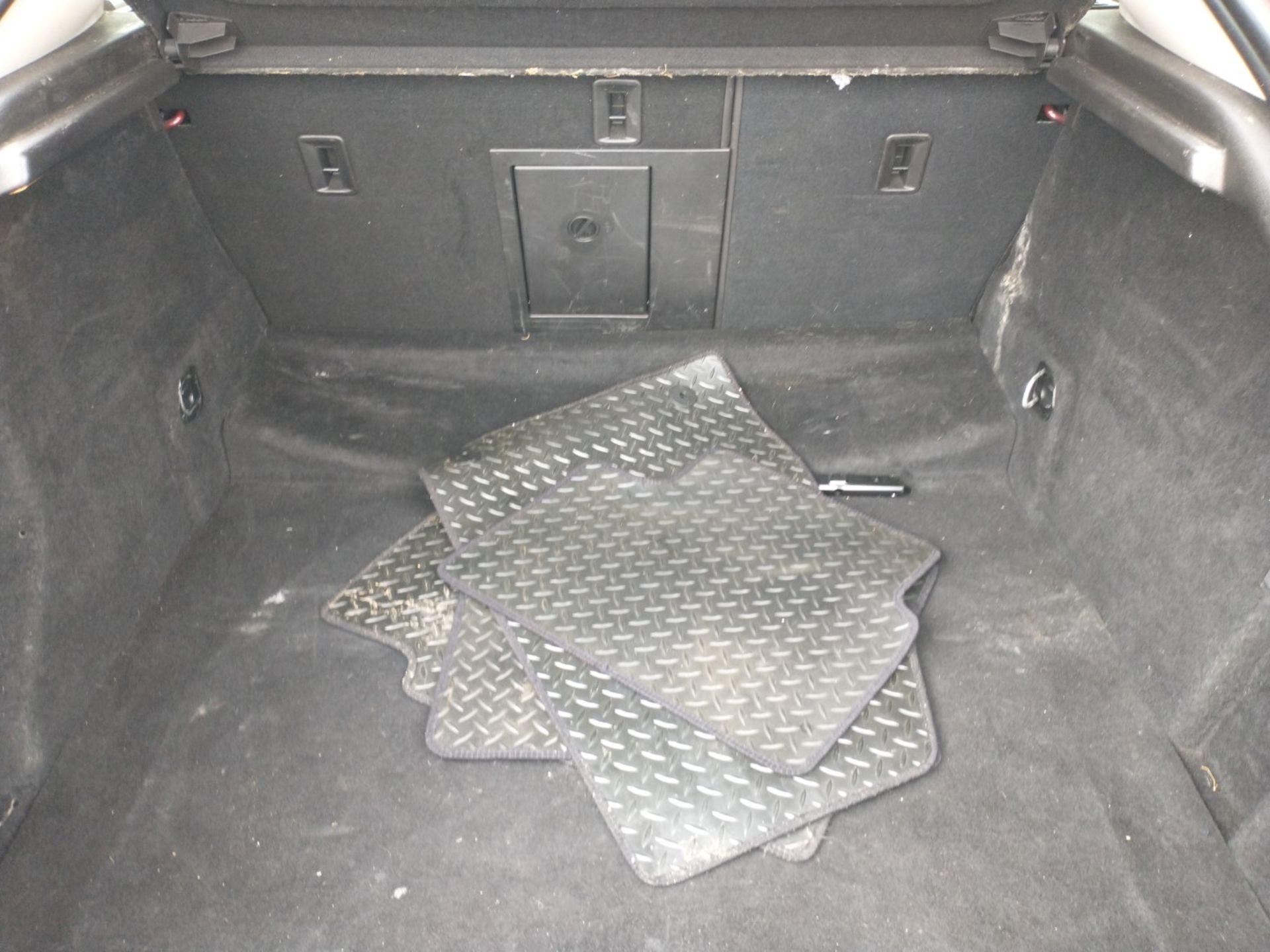 2009 Vauxhall Insignia Elite Nav CDTI 5dr 2.0 Diesel - CL505 - NO VAT ON THE HAMMER - Location: Corb - Image 12 of 22