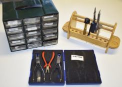 1 x Assorted Collection of Opticians Tools and Accessories - Ref: GTI190 - CL645 - Location: